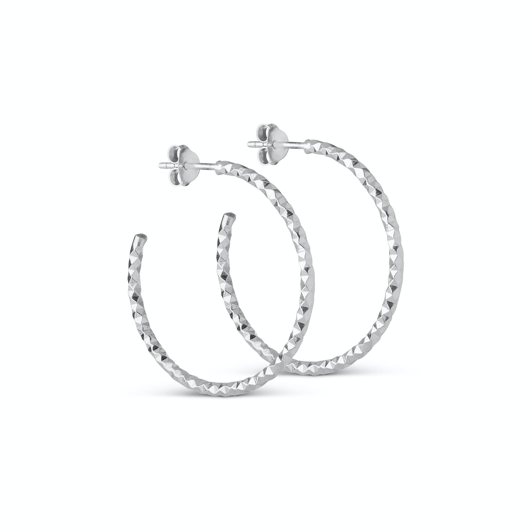 Diamond Cut Large Hoops fra Enamel Copenhagen i Sølv Sterling 925