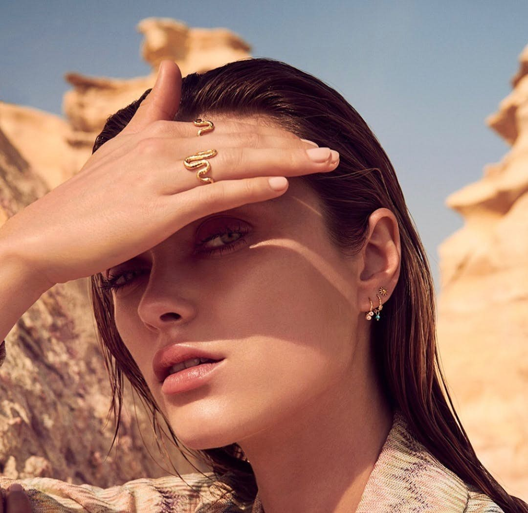 Solar earsticks von Maanesten in Vergoldet-Silber Sterling 925
