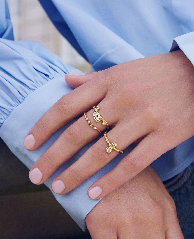 Lily Ring von Enamel Copenhagen in Vergoldet-Silber Sterling 925