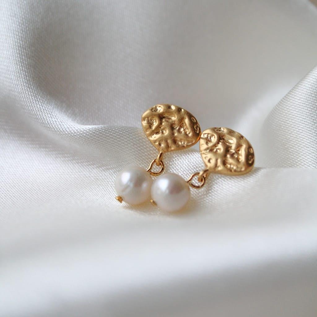 Pearl Drop earrings from Enamel Copenhagen in Goldplated-Silver Sterling 925