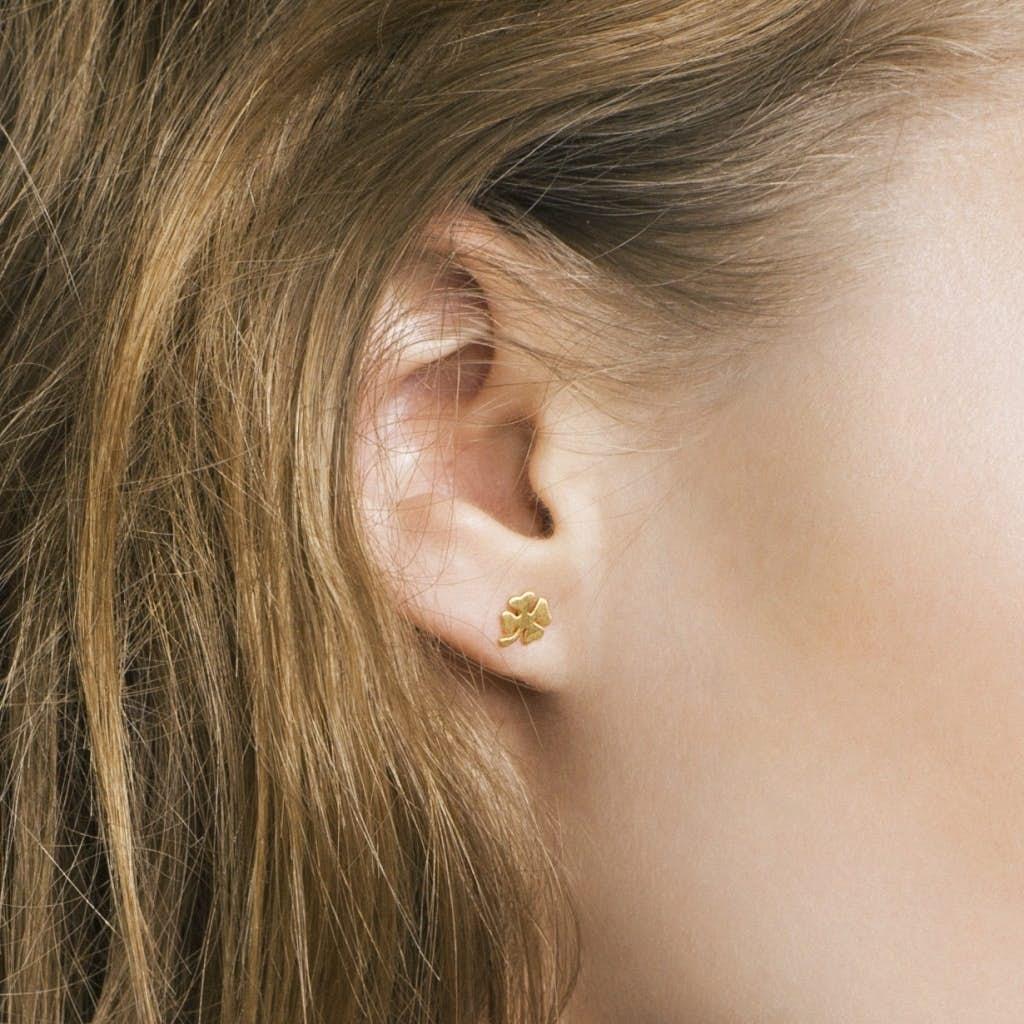 Clover earsticks från Enamel Copenhagen i Silver Sterling 925