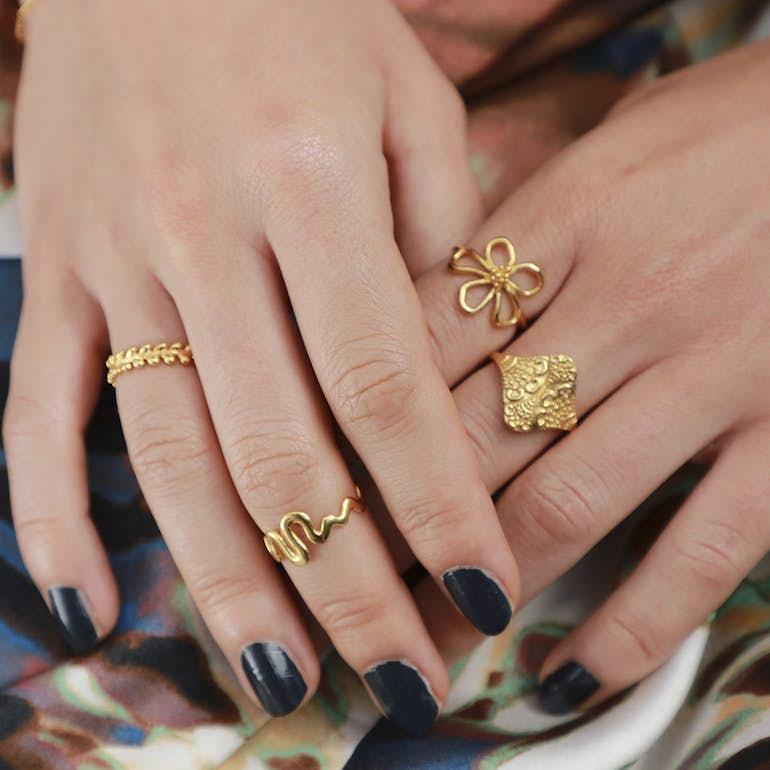 Saniya Ring von Izabel Camille in Vergoldet-Silber Sterling 925