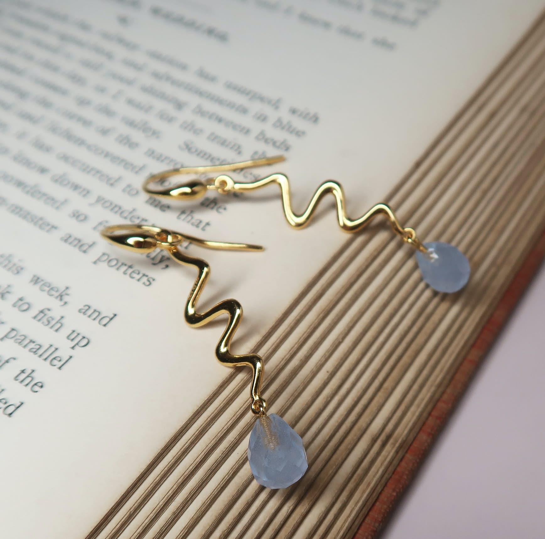 Saniya earrings blue von Izabel Camille in Vergoldet-Silber Sterling 925