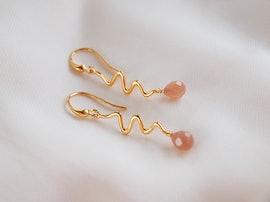 Saniya earrings peach