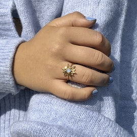 Olivia By Sistie Ring Rose Opal