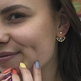 Sara by Sistie earsticks