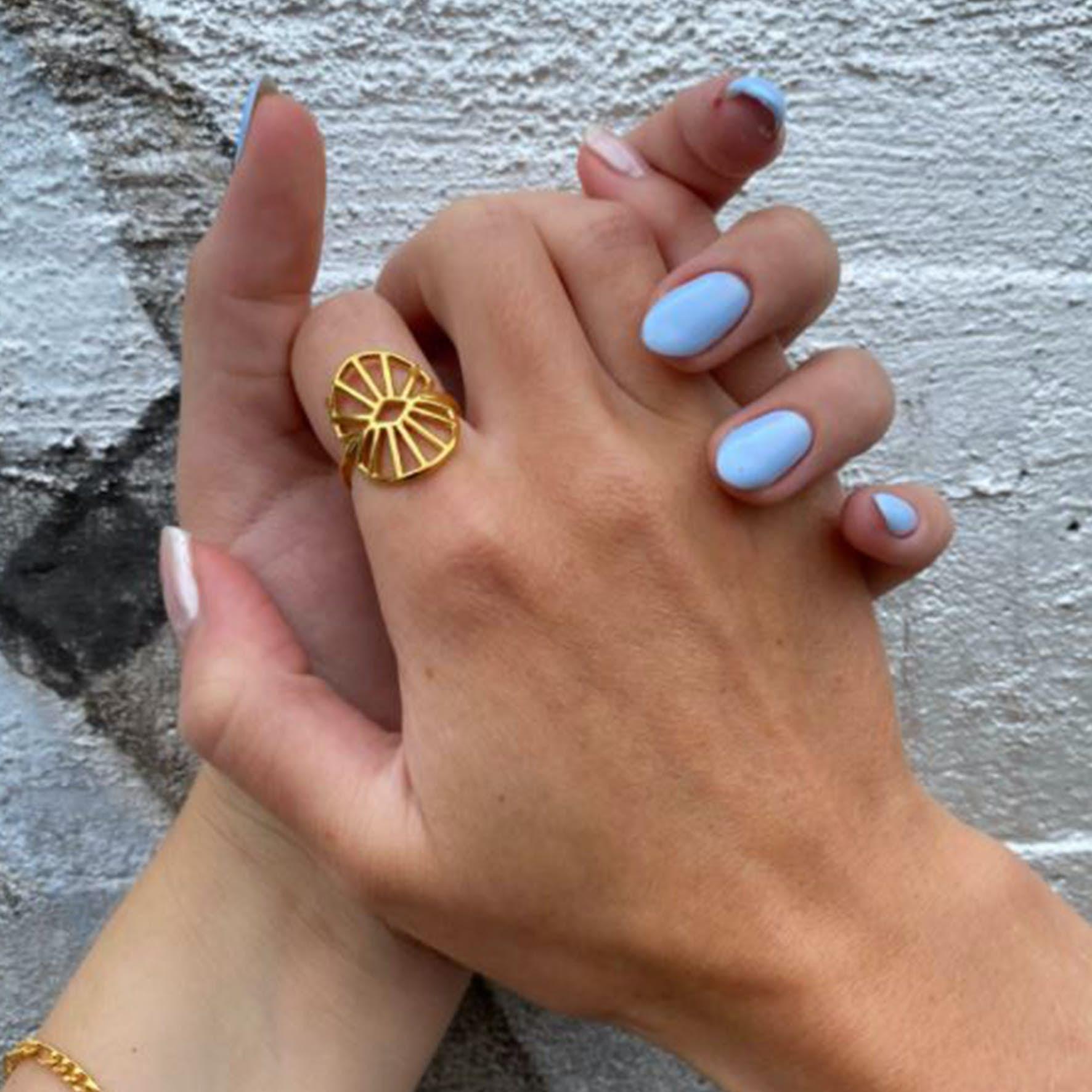 Sara by Sistie Medium Ring von Sistie in Vergoldet-Silber Sterling 925