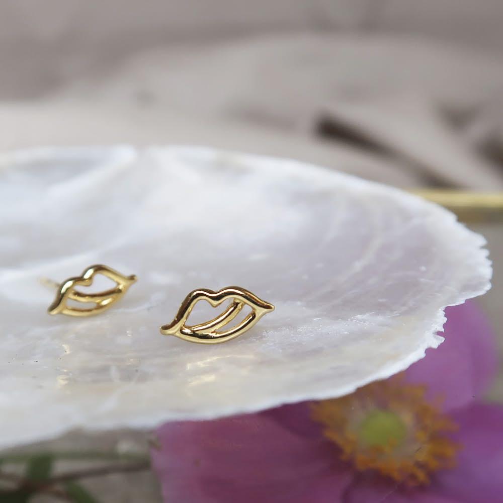 The Kiss earsticks von Sistie in Vergoldet-Silber Sterling 925