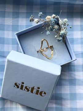Melissa Bentsen Ring från Sistie i Förgyllt-Silver Sterling 925