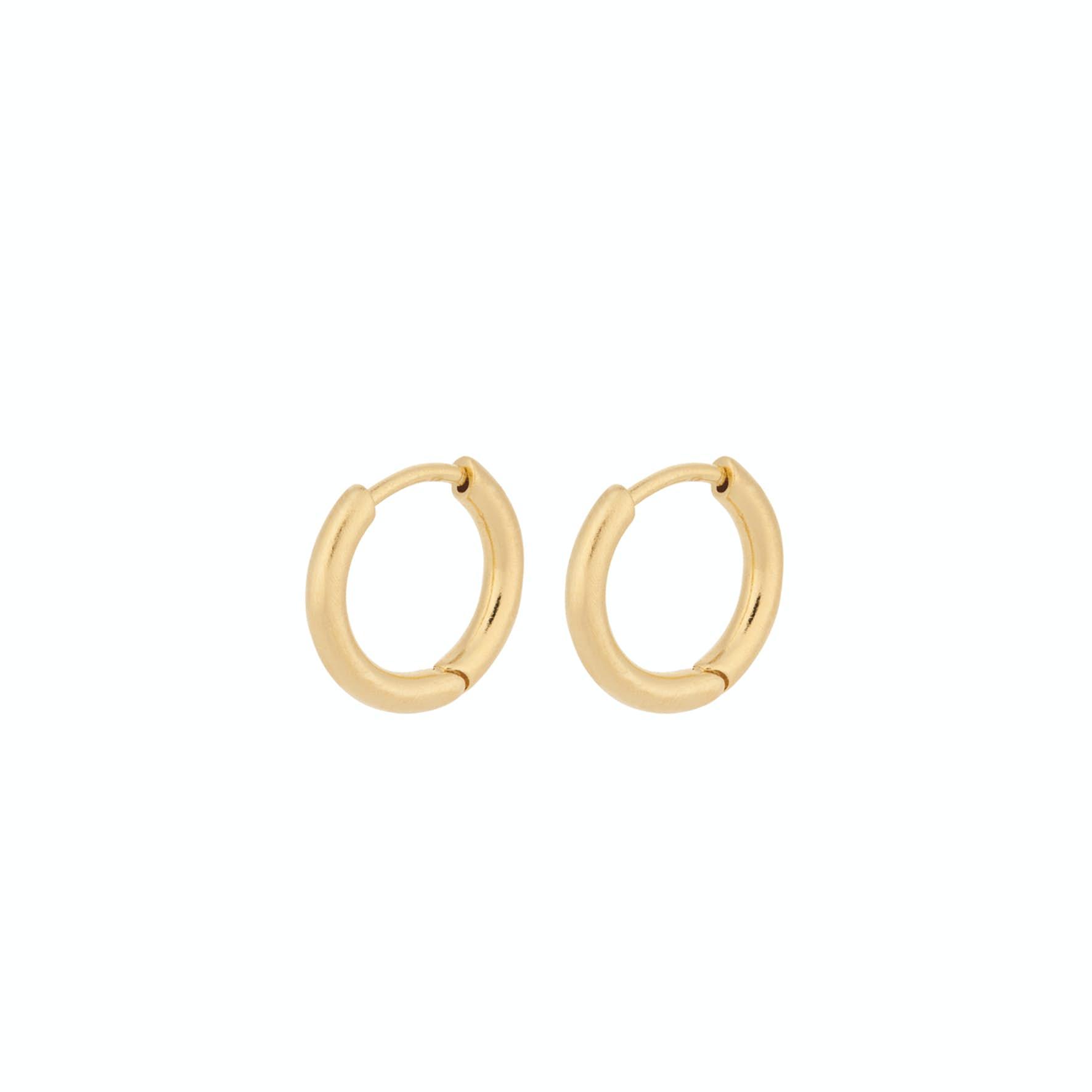 Solid Huggie Earrings von Pernille Corydon in Vergoldet-Silber Sterling 925