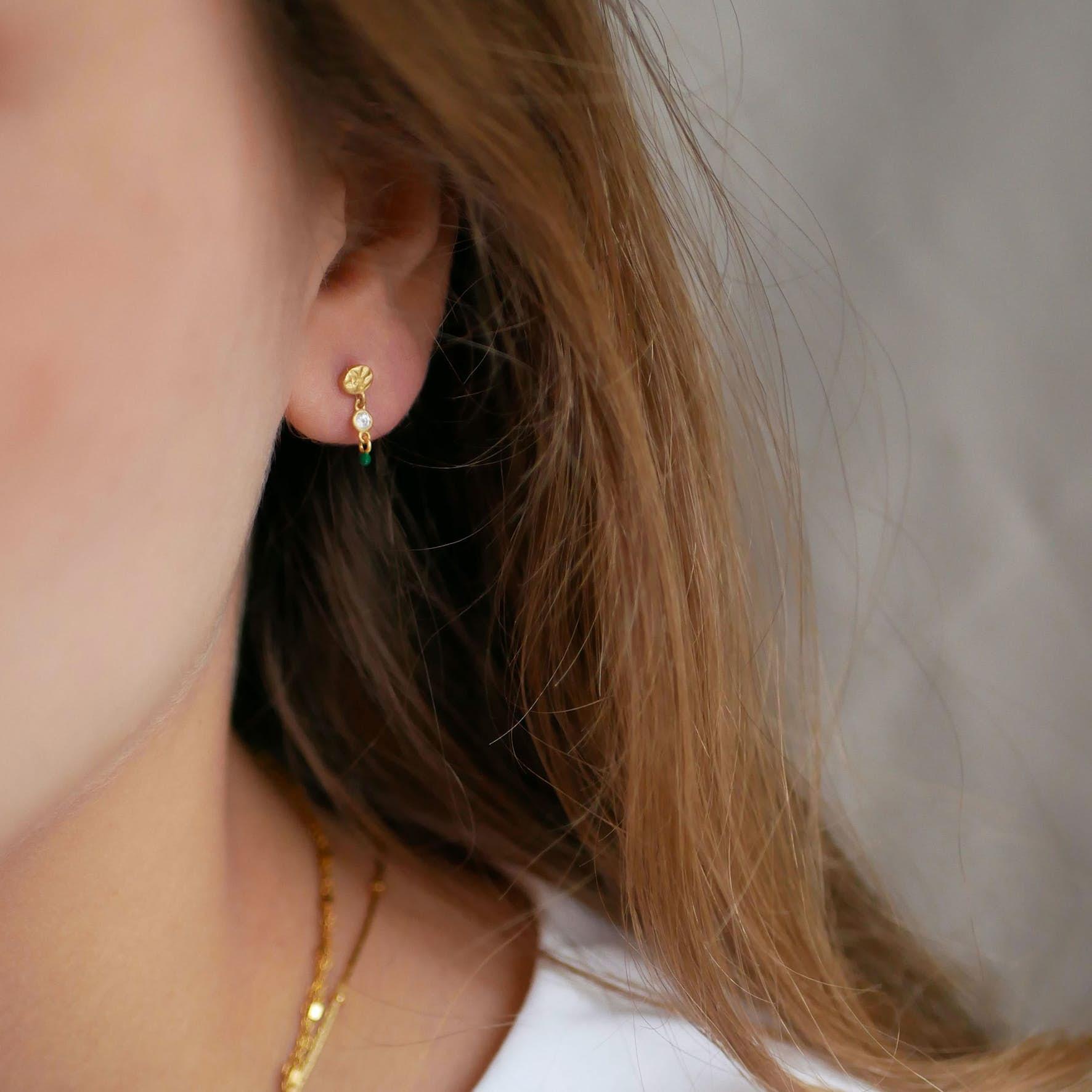 Gro Earrings fra Enamel Copenhagen i Forgyldt-Sølv Sterling 925