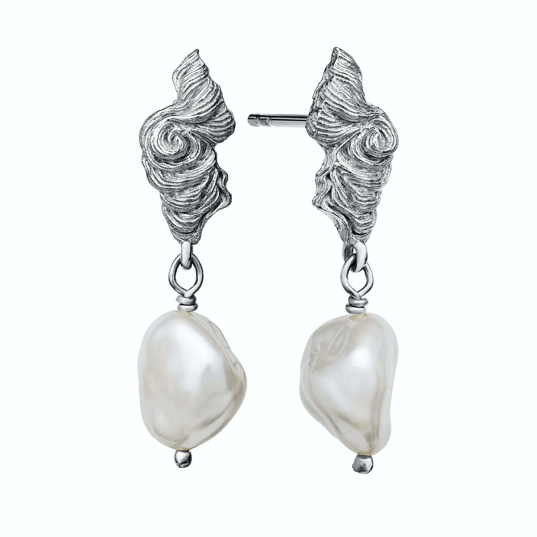 Frigg Earrings from Maanesten in Silver Sterling 925 Freshwater Pearl