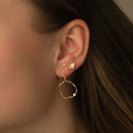 Wavy Circle Earring with Stone - Left aus STINE A Jewelry