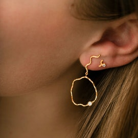 Wavy Circle Earring with Stone - Left