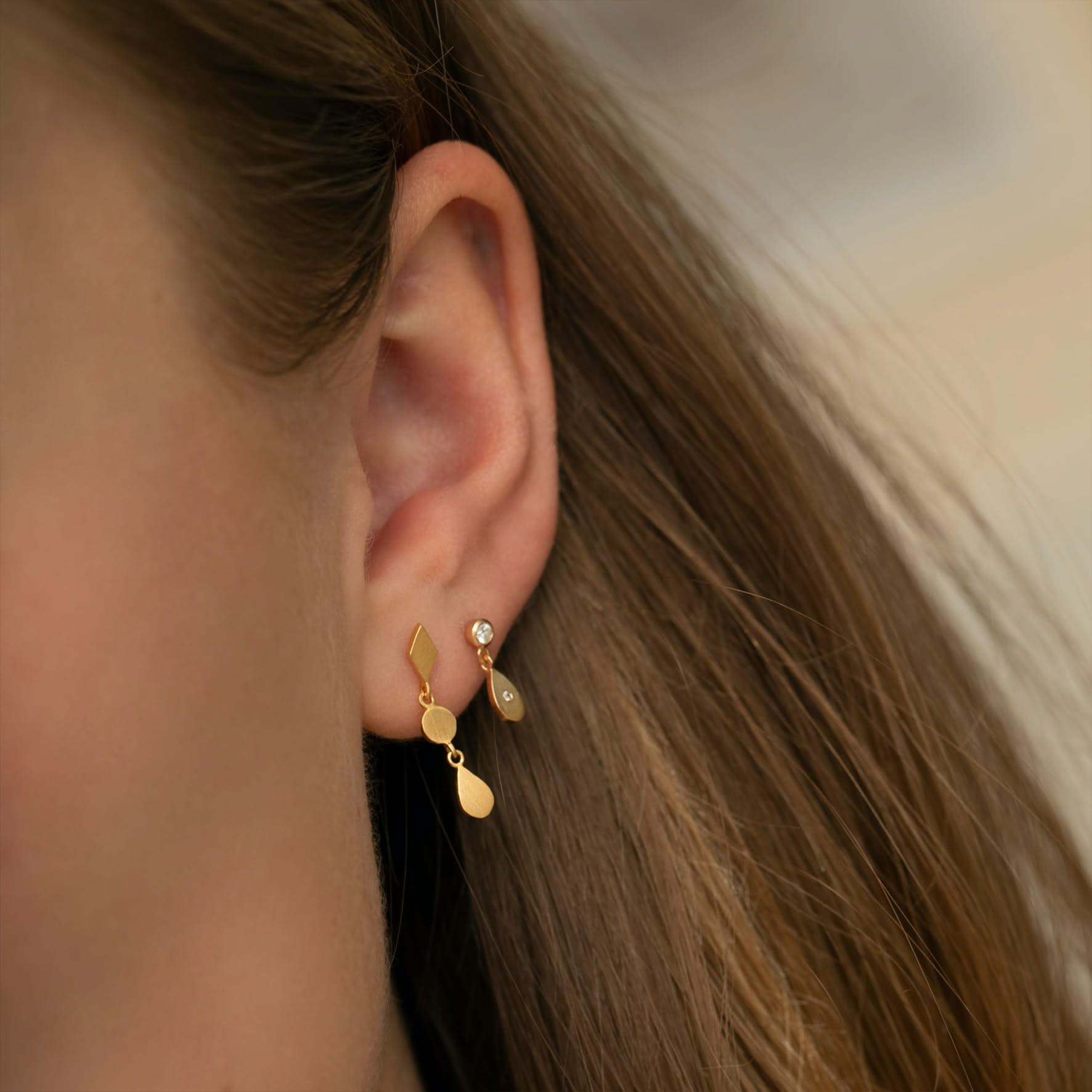 Big Dot with Sparkling Teardrop Earring from STINE A Jewelry in Goldplated-Silver Sterling 925