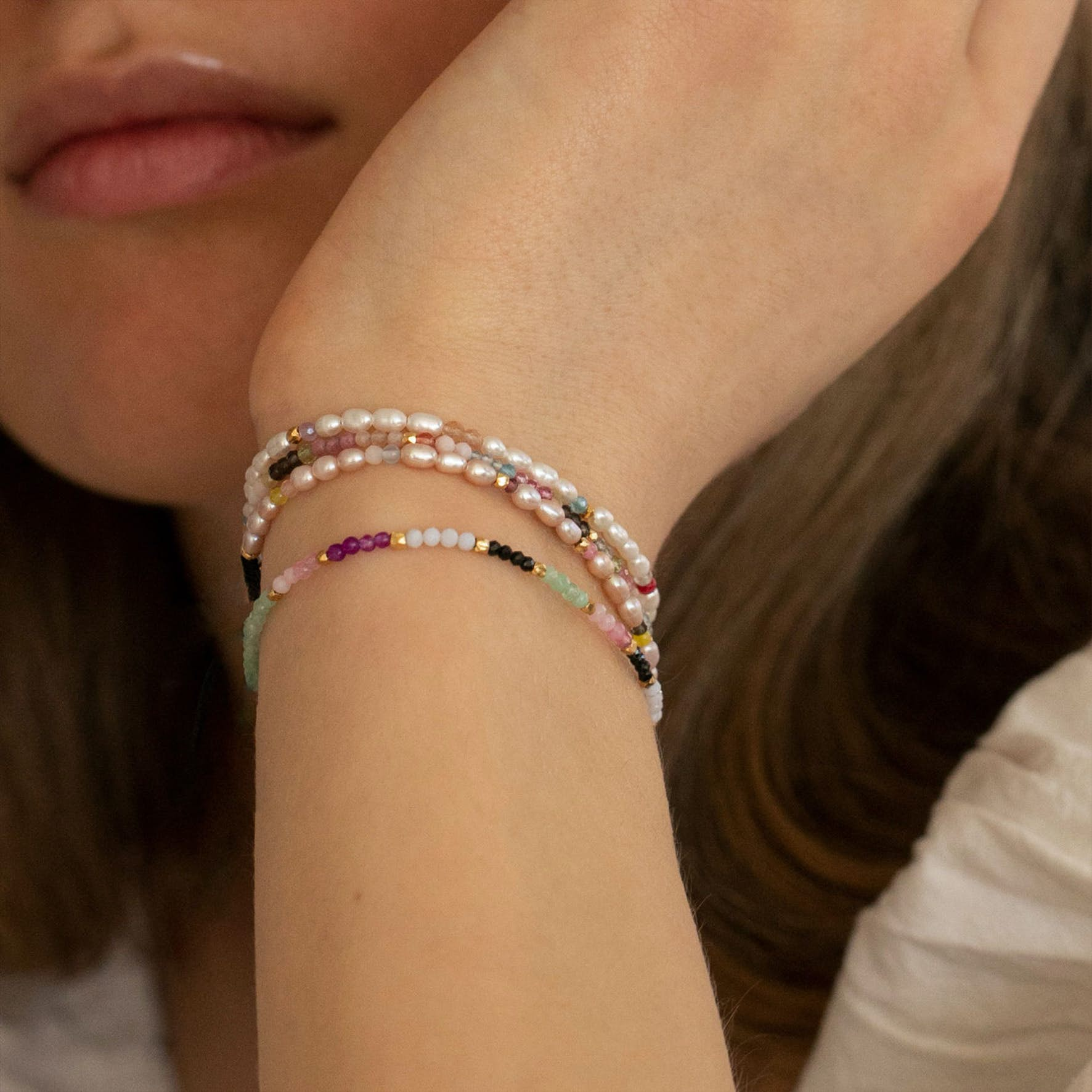 Confetti Pearl Bracelet With Pink Pastel Mix With Pink Ribbon fra STINE A Jewelry i Nylon