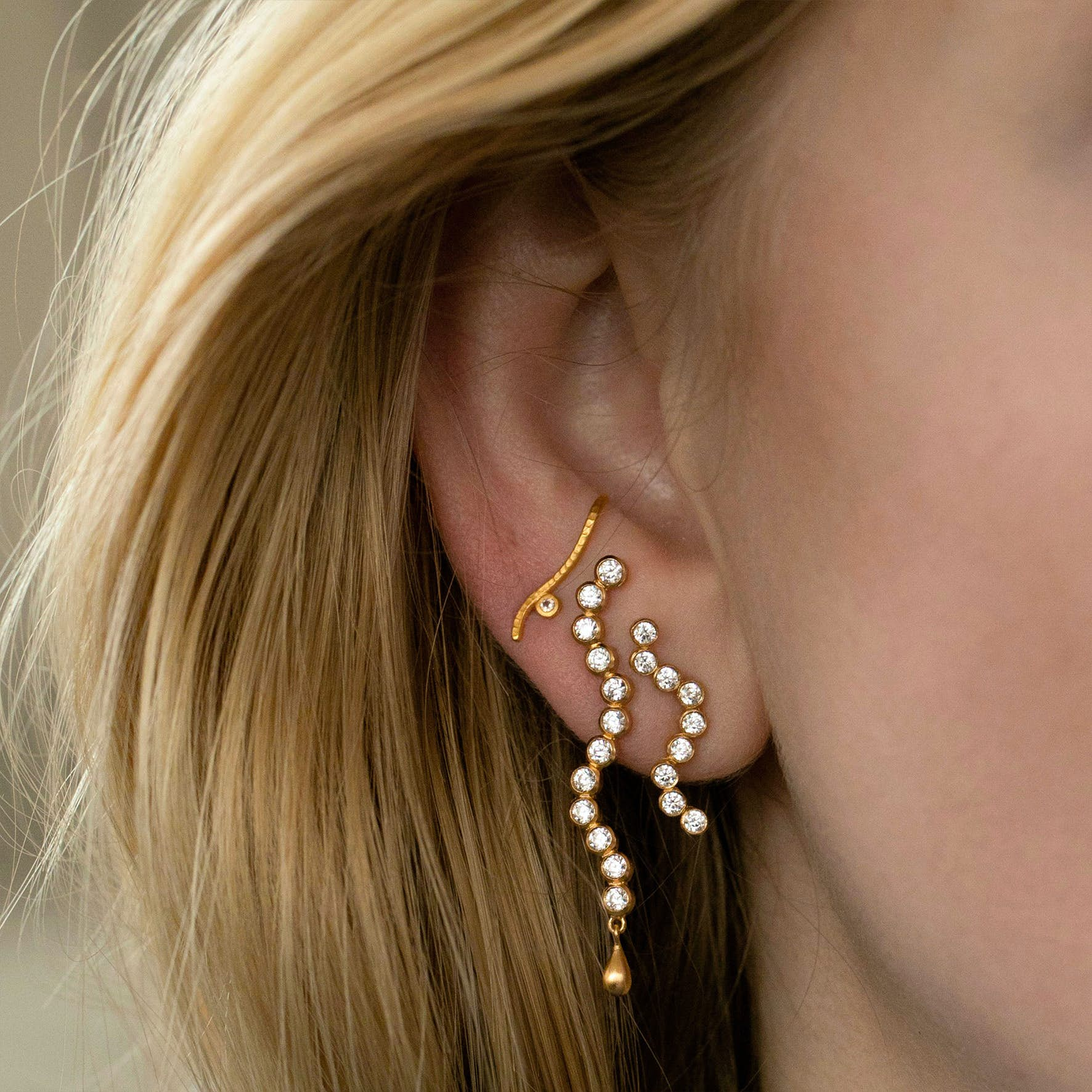 Midnight Sparkle Long Earring - Right from STINE A Jewelry in Goldplated-Silver Sterling 925