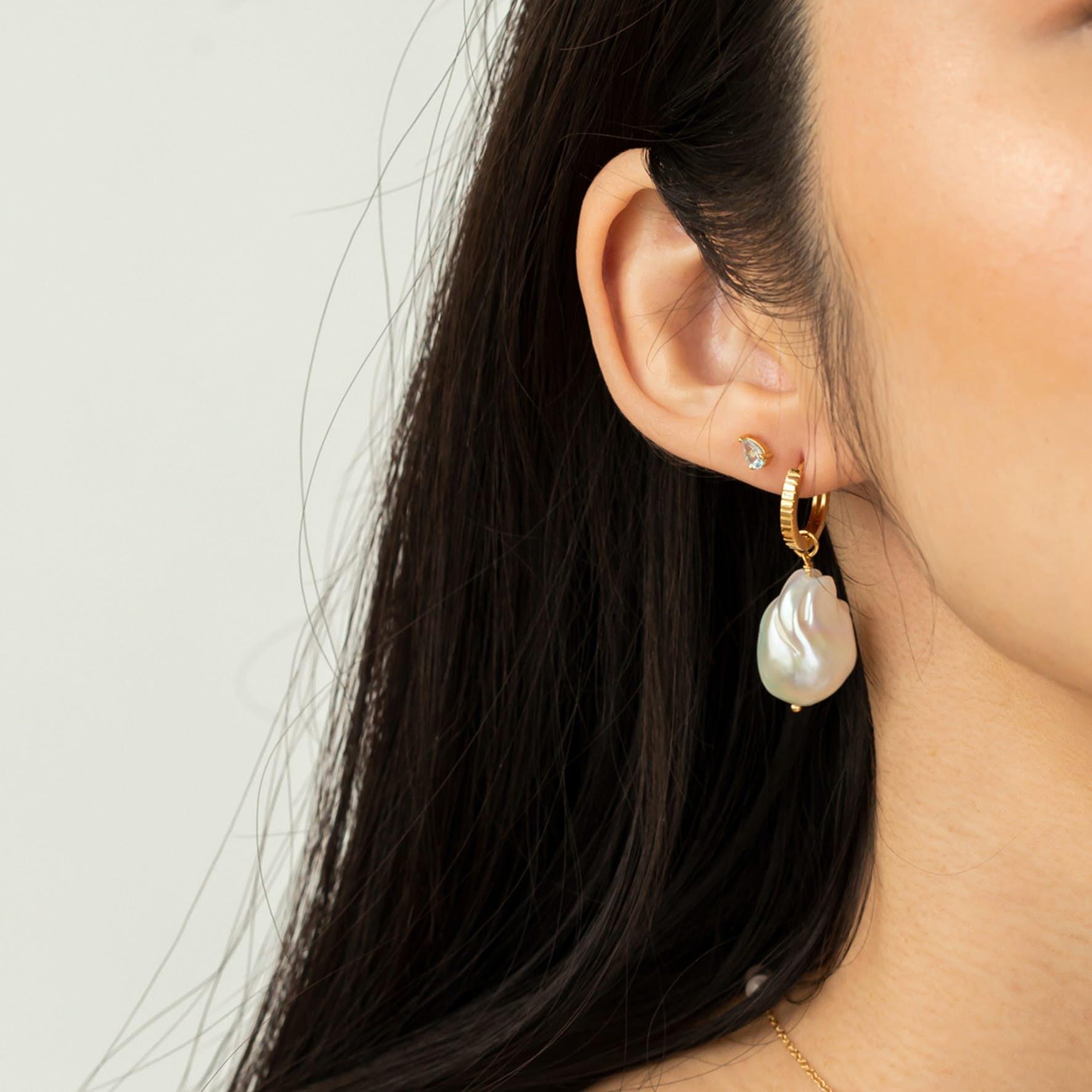 Classic Pinstripe Earrings Small från Carré i Förgyllt-Silver Sterling 925