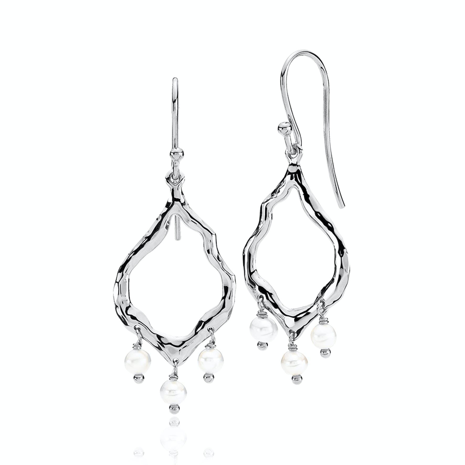 Emma Pearl Earrings von Izabel Camille in Silber Sterling 925