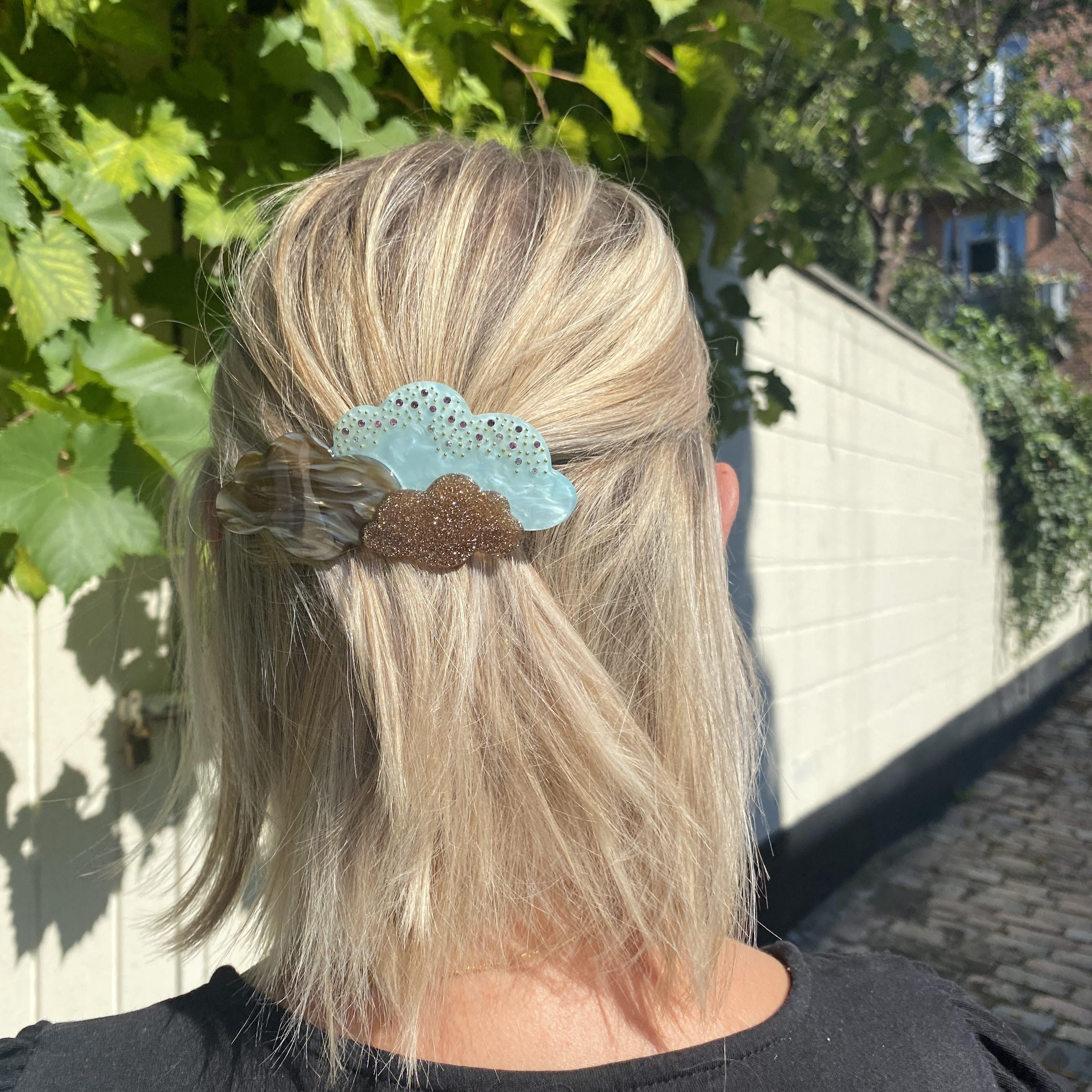 Lulu Hairclip Blue fra Maanesten i Acetat