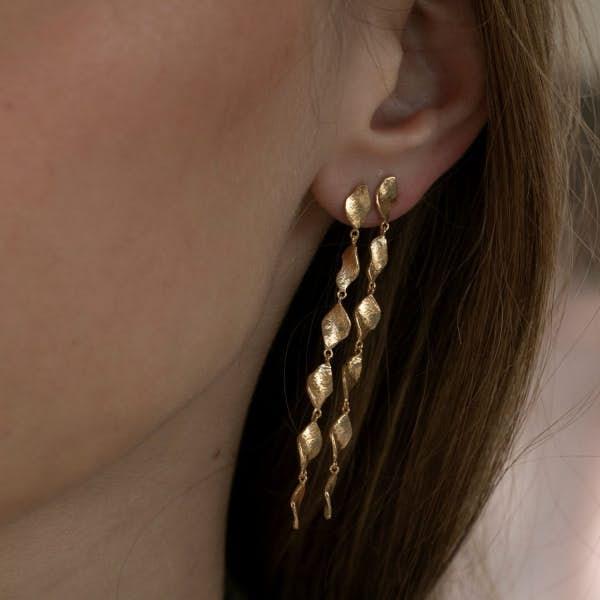 Six Dangling Ile De L'Amour Long Earring von STINE A Jewelry in Vergoldet-Silber Sterling 925|