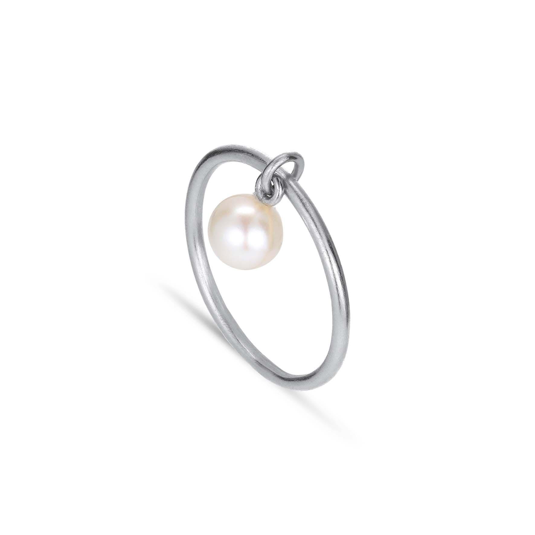 Row Pearl Ring von Jane Kønig in Silber Sterling 925