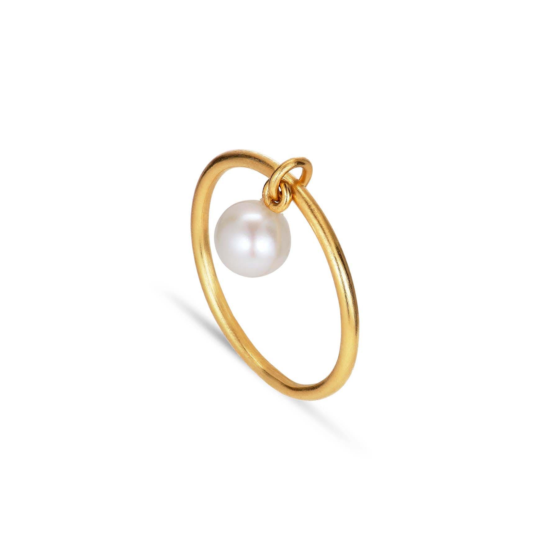 Row Pearl Ring von Jane Kønig in Vergoldet-Silber Sterling 925