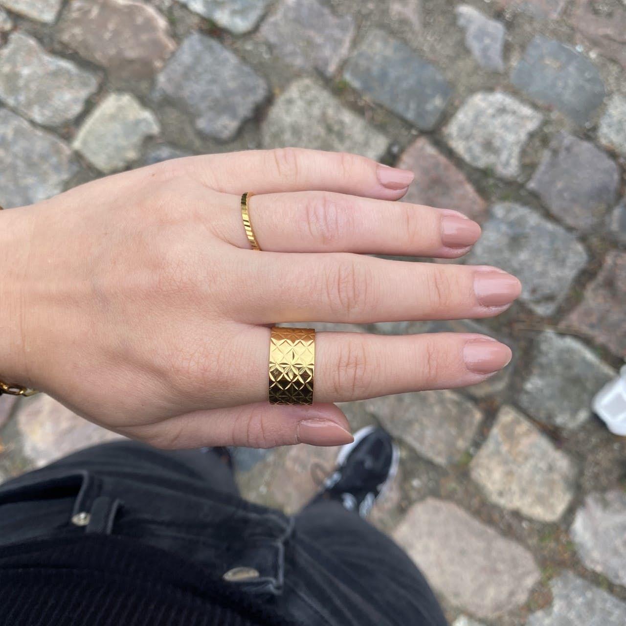 Small Reflection Ring von Jane Kønig in Vergoldet-Silber Sterling 925