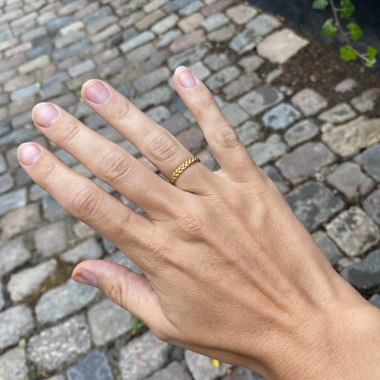 Small Braided Ring von Jane Kønig in Vergoldet-Silber Sterling 925