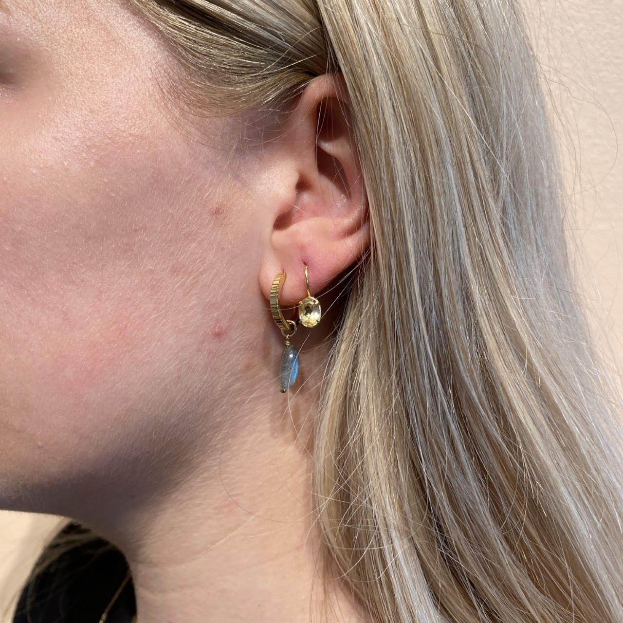 Archieve Earring Confidence fra Carré i Forgylt-Sølv Sterling 925