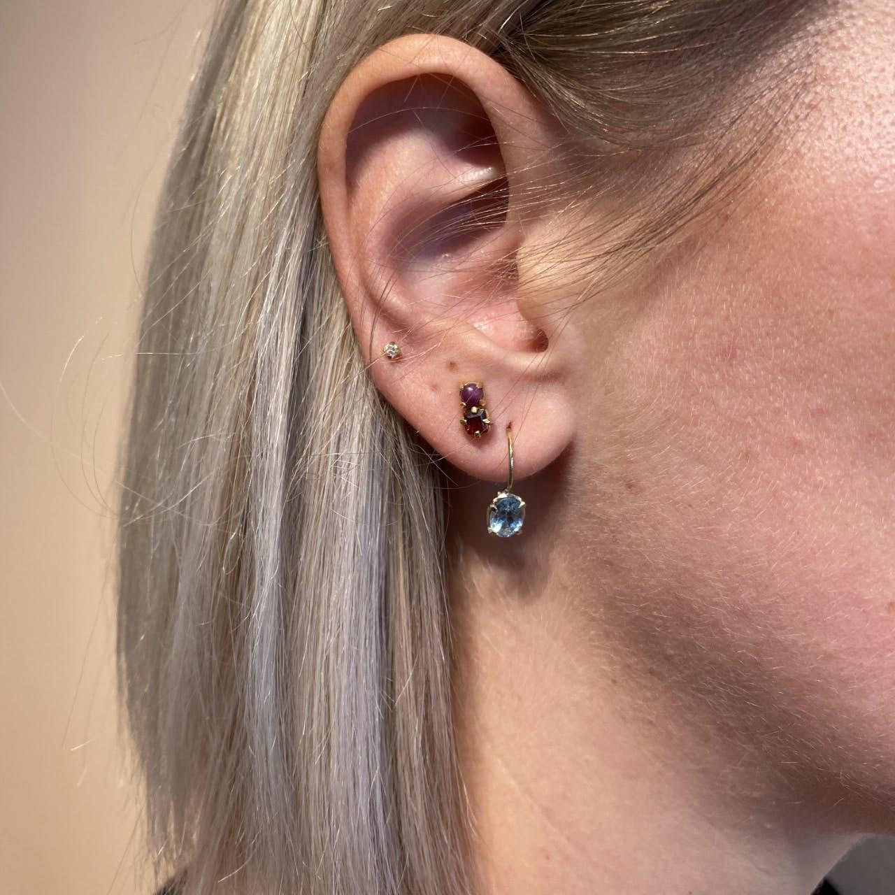 Gem Candy Earhooks Aqua von Carré in Vergoldet-Silber Sterling 925