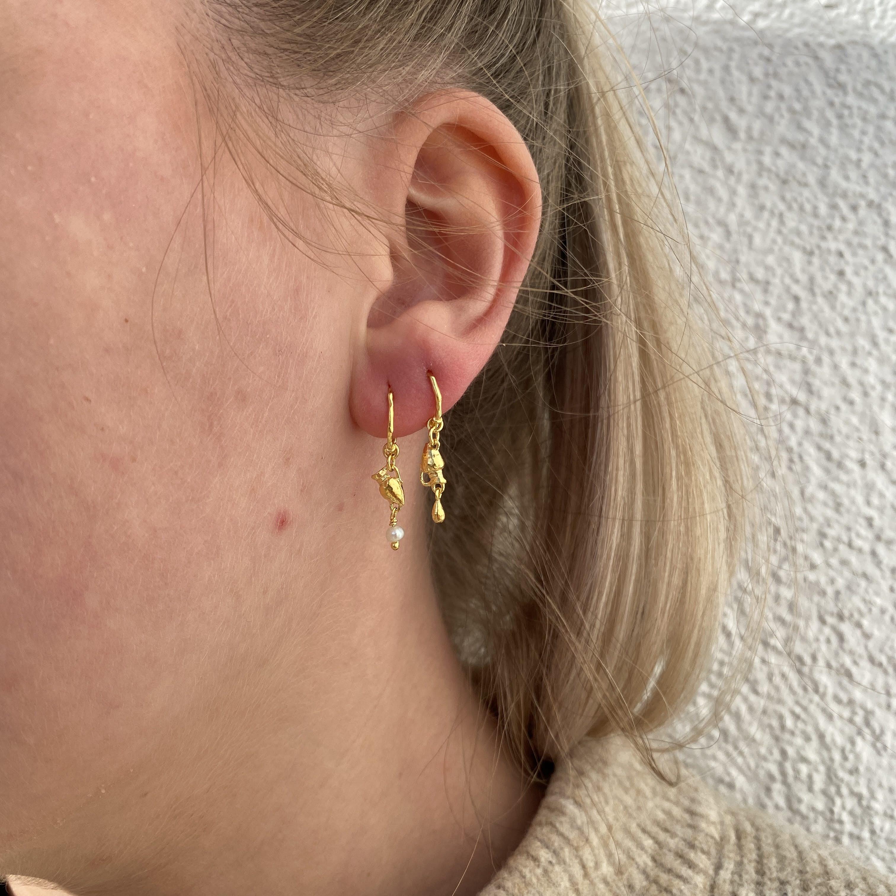 Lovepotion Earrings fra Maanesten i Forgylt-Sølv Sterling 925